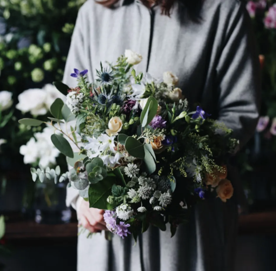 ex. flower shop & laboratoryの季節の花束 L サイズ